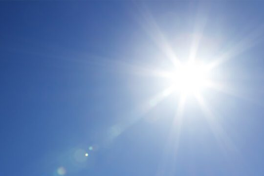 What effect does UV radiation have on damaged skin?